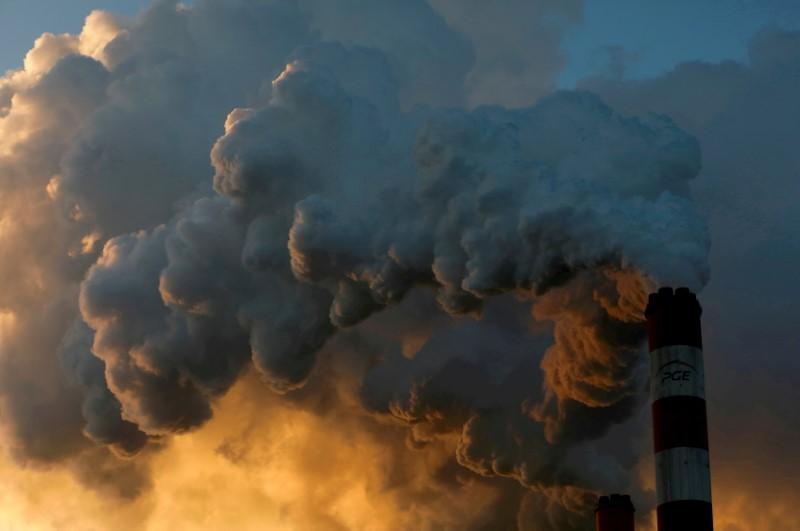 EU, U.S. agree to talk on carbon border tariff