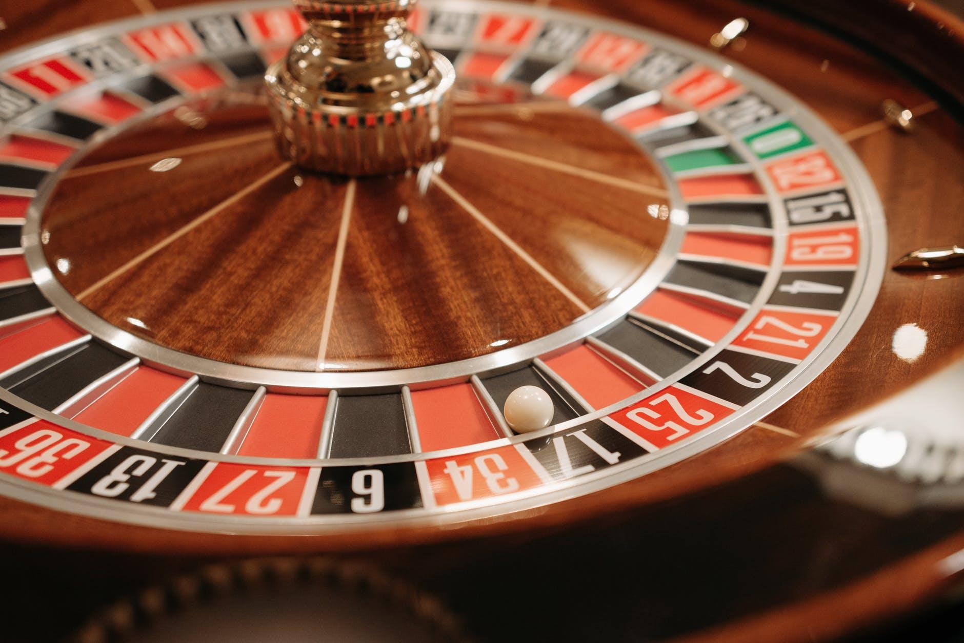 bar cocktail casino luck